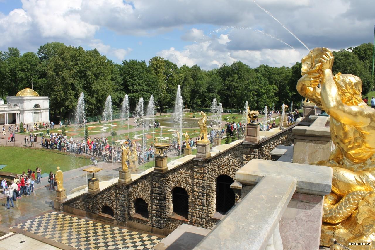 Когда в Санкт-Петербурге включают фонтаны в 2018 году? цена входных